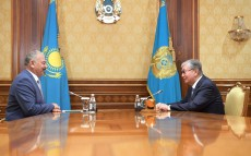 Kassym-Jomart Tokayev receives Tungyshbai Zhamankulov, Chairman of the Union of Kazakhstan's Theatre Workers